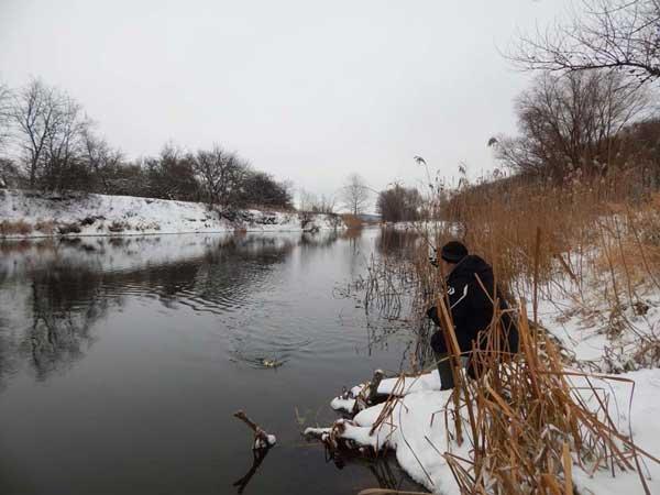 Выбор места для зимней ловли щуки на приманку