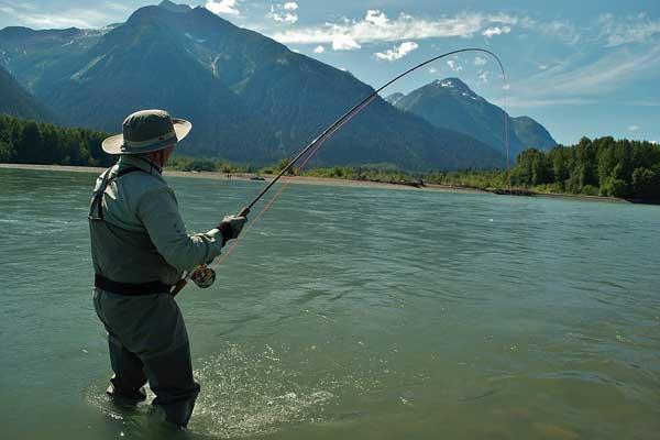 Непромокающий костюм для летней рыбалки