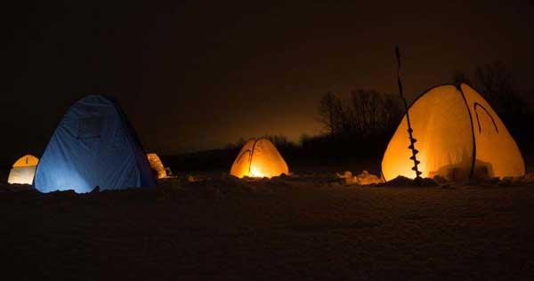 Ночная зимняя рыбалка в палатках